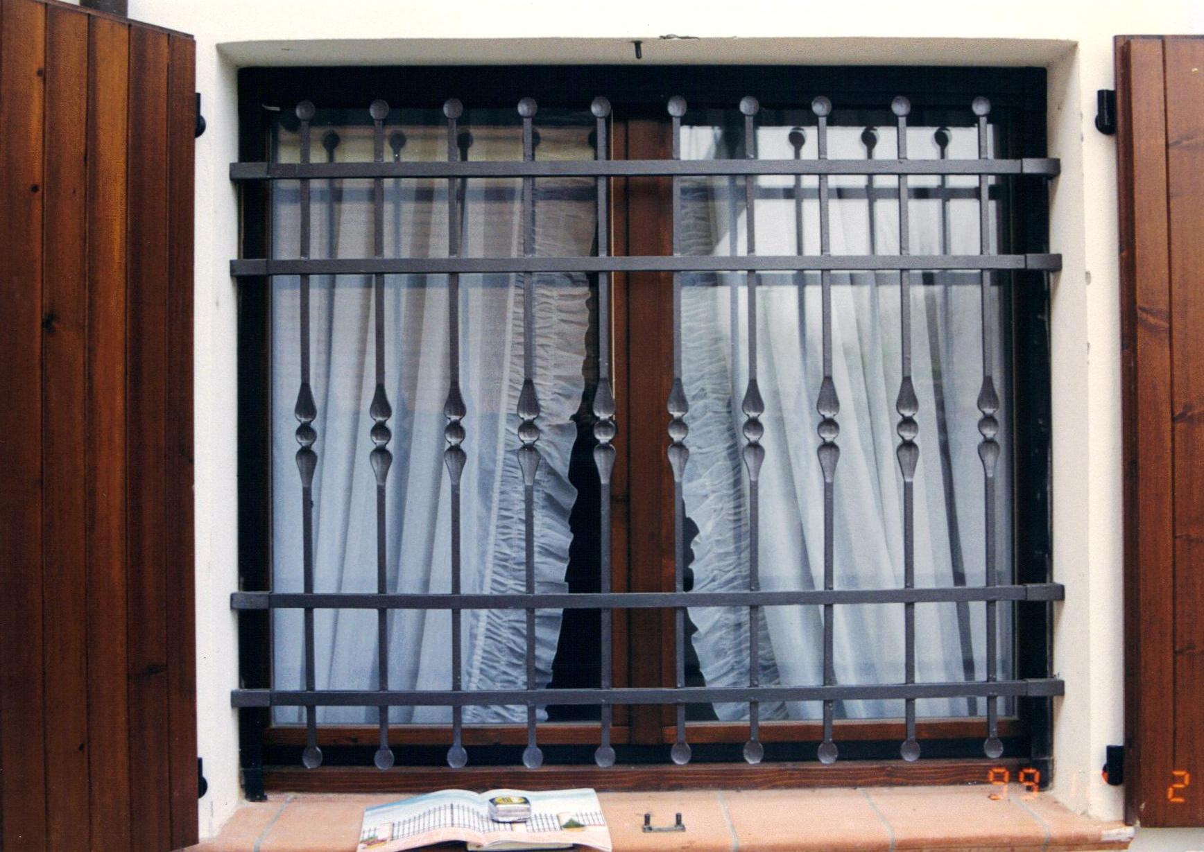 Metal service s r l - Ringhiere per finestre ...